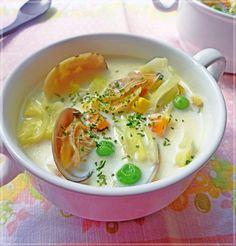 あさりと春キャベツの具だくさんミルクスープ
