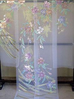 Pastel embroidery on sheer kimono Kimono Chino, Yukata Kimono, Kimono Fabric, Kimono Dress, Geisha, Japanese Outfits, Japanese Fashion, Japanese Wedding Kimono, Embroidery Designs