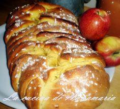 treccia brioche ripiena di mele e uvetta