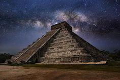the-milky-way-over-el-castillo-pyramid-mexico--31081.png 610×409 pixels