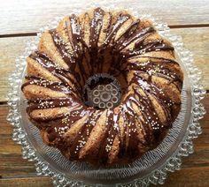 kuglof1 Hungarian Desserts, Hungarian Recipes, No Bake Desserts, Dessert Recipes, Baking Recipes, Cookie Recipes, Non Plus Ultra, Torte Cake, Gourmet Gifts