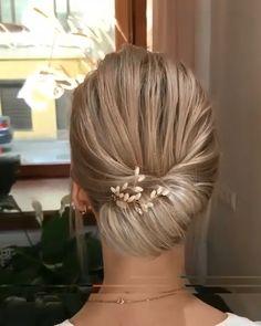 Stunning Bridal Hairstyles – Tutorial Per Capelli Updo Tutorial, Bridal Hair Tutorial, Braided Hairstyles, Wedding Hairstyles, Elegant Hairstyles, Braided Updo, Hair Upstyles, Bridal Hair Updo, Hair Videos