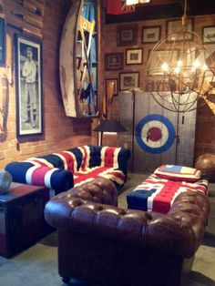 Masculine interior design home deco with UK touch #UK #flag