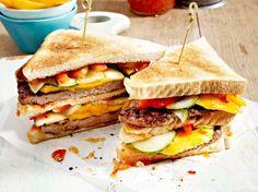Sandwich-Turm mit Geflügel-Patty und Asia-Soße Rezept | LECKER