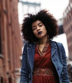 (@devrivelazquez) || Afro hair. Natural hair. Kinky curly hair. Curly hair. Curly fro.