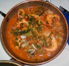 La cataplana est un récipient pour la cuisson d'aliments, typique de l'Algarve. S'utilise également le même terme pour désigner les aliments faites dans ce récipient. En général, la nourriture sur …