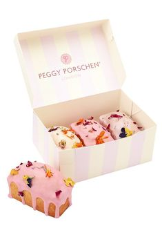 Peggy Porschen Cakes has a selection of Birthday cakes and cupcakes. Cake Boxes Packaging, Baking Packaging, Bread Packaging, Dessert Packaging, Food Packaging Design, Mini Loaf Cakes, Lemon Loaf Cake, Peggy Porschen Cakes, Dessert Boxes
