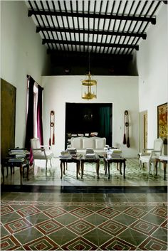 A Home on the Yucatan Mexican Spanish, Mexican Hacienda, Hacienda Style, Spanish Style, Mexican Tiles, Spanish Revival, Best Flooring, Courtyard House, Rancho
