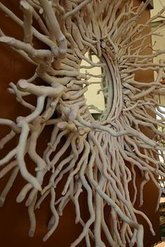 I could make this ! I have some willow branches drying.