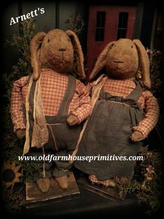 #AR9 Arnett's Primitive Standing Rabbits (Made In USA)