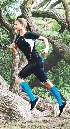 Mehr Power Dank Druck! Mit Kompressionsstrümpfen werden Ihre Beine nicht so schnell müde.   JETZT bei Readly lesen:    SHAPE NR.08 2016 - Seite 139