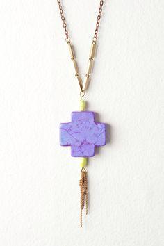 Pendant necklace on vintage chain