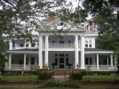 Antebellum mansion in covington georgia architecture i for Wrap house covington