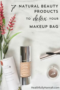 7 Natural Beauty Products to Detox Your Makeup Bag Are your cosmetics jeopardizing your health? These 7 Natural Beauty Products will help you detox your makeup bag and avoid the harmful chemicals found in mainstream cosmetics. Natural Beauty Tips, Clean Beauty, Organic Beauty, Natural Skin Care, Organic Makeup Brands, All Natural Makeup, Natural Life, Beauty Care, Diy Beauty