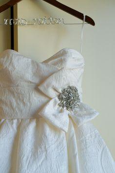Jacquard wedding dress. Gorgeous!  www.beautifulmessphoto.com