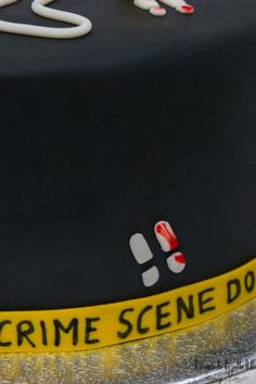 Crime Scene Cake-11