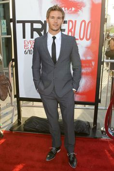 Ryan Kwanten in HUGO at the premiere of True Blood Season Five #style #mens #fashion @HUGO BOSS: One of the best characters in True Blood-Jason-constantly growing.