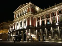 The Wiener Musikverein at night Vienna Austria, Concert Hall, Where To Go, Opera, Places To Visit, Mansions, House Styles, World, Theater