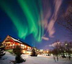 Top 10 Places to See the Northern Lights (Aurora Borealis) - Natureaxis