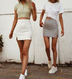 trendy outfits for school \ trendy outfits ; trendy outfits for school ; trendy outfits for summer ; trendy outfits for women ; Trendy Summer Outfits, Cute Casual Outfits, Trendy Clothes For Women, Retro Outfits, Stylish Outfits, Spring Outfits, Vintage Outfits, Summer Skirt Outfits, Outfit Ideas Summer