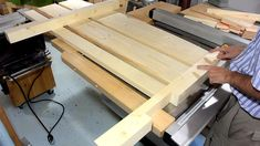 Queen size bed from lumber Home Electrical Wiring, Diy Home Furniture, Built In Bed, Bed Dimensions, Diy Bed Frame, Bedroom Bed Design, Wood Sticks, Wood Beds, Wood