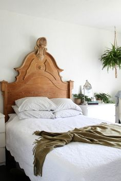 Dexter House Kitchen // 'Before and Afters' + a video — The Grit and Polish Farmhouse Style Bedrooms, Farmhouse Bedroom Decor, Cheap Bedroom Decor, Cheap Home Decor, Diy Bedroom, Bedroom Ideas, Antique Beds, Antique House, Beautiful Bedrooms