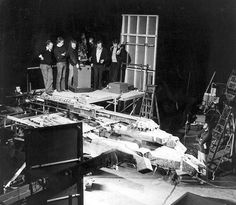 Behind-The-Scenes snaps from Ridley Scott's Alien reveal the real Xenomorph Alien Movie 1979, Aliens Movie, Star Wars History, Alien Ship, Sci Fi Thriller, Alien Concept Art, Ridley Scott, Classic Horror Movies, Military Pictures