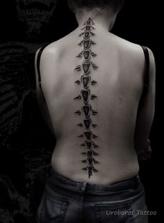 Spine Tattoos, 3d Tattoos, Cover Up Tattoos, Body Art Tattoos, Tattoos For Guys, Cool Tattoos, Tatoos, Piercing Tattoo, Piercings
