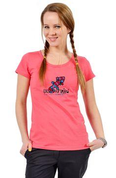 Розовая футболка из хлопка.