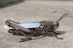 Scrap Metal Sculpture of a Field Grasshopper,Reclaimed Repurposed Recycled Art, Original and Unique Metal Tree Wall Art, Scrap Metal Art, Metal Artwork, Metal Projects, Metal Crafts, Art Projects, Sculpture Metal, Sculpture Ideas, Silverware Art