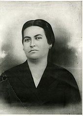 Página de Wikipedia sobre Gabriela Mistral Abraham Lincoln, Persona, Che Guevara, Mad Women, Writers, Literature, Nobel Prize, Bicycle Kick, History