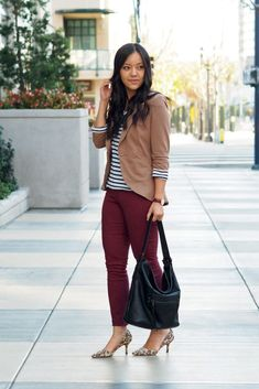 Adding Life and Color to Business Casual Work Wear - Putting Me Together Tan Blazer Outfits, Burgundy Pants Outfit, Maroon Outfit, Burgundy Jeans, Maroon Jeans, Camel Blazer, Casual Work Wear, Casual Work Outfits, Formal Outfits