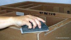 finition meuble en carton : poncage