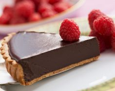 Do you you want something sweet, but you do not really want to deviate from your diet you just started it for the Holidays? We'll make you a hint of chocolate tart absolutely harmless for your figure, but super-tasty! Healthy Desserts, Raw Food Recipes, Cake Recipes, Salted Chocolate, Pie Dessert, Something Sweet, Yummy Cookies, Sweet Treats, Cheesecake