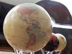 MOVA - Self-spinning Globes