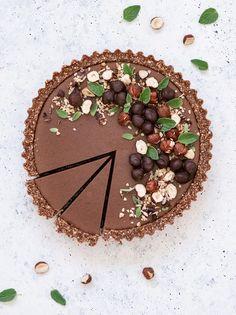 La recettes de la tarte chocolat noisette, est à découvrir dans le nouveau Slowly Veggie
