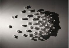 Kumi Yamashita, se caracteríza por crear siluetas muy realistas a partir de la manipulación de la luz sobre objetos comunes, dispuestos en superficies como paredes o mesas. Yamashita estudió en Nueva York y desde 1993 ha acumulado diversas exposiciones, tanto colectivas como individuales, que nos dejan una muestra del enorme talento que tiene esta chica.