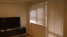Fascinating Tricks: Wooden Blinds Home ikea blinds basements.Diy Blinds Simple blinds for windows white. White Roller Blinds, Grey Blinds, Modern Blinds, Shades Blinds, Fabric Blinds, Curtains With Blinds, Blinds For Windows, Window Blinds, Patio Blinds