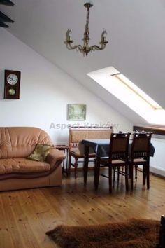 Bardzo ładne mieszkanie 43 m2 na os.Podwawelskim, z widokiem na Wawel4 piętro / 5-piętrowy z windą , własnościowe- 1 właściciel20-15 minut do Wawelu, Rynku, do Tesco, nie przy głównej ulicy, spokojne osiedleSalon z aneksem kuchennym, pokój, łazienka, garderoba, pawlacz, antresola.Mieszkanie w stylu rustykalnym, wykończone w drewnie.Nie ma balkonu,komórki ani garażu jest garderoba, pawlacz .Mieszkanie z 2002 w idealnym stanie.Czynsz-130 media wg.licznikówTeren ogrodzony, pilnowany i… Table, Furniture, Home Decor, Decoration Home, Room Decor, Tables, Home Furnishings, Home Interior Design, Desk