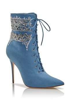 Rihanna has created a collection of shoes for Manolo Blahnik and we are all the better for it. Part of the Spring 2016 collection, Rihanna's Denim Desserts...