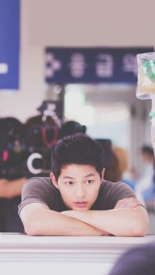 Find images and videos about kdrama, song joong ki and descendants of the sun on We Heart It - the app to get lost in what you love. Park Hae Jin, Park Seo Joon, Song Hye Kyo, Korean Star, Korean Men, Descendants, Korean Celebrities, Korean Actors, Korean Actresses