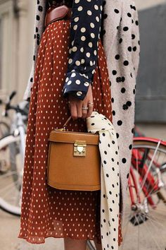 Fall Street Style Outfits to Inspire – FROM LUXE WITH LOVE Different polka dots patterns and colors mixed together, pattern mixing outfits, great mixed patterns outfit, polka dots outfit, Street Style Outfits, Looks Street Style, Autumn Street Style, Mode Outfits, Fashion Outfits, Womens Fashion, Brooklyn Street Style, Street Style 2018, Fashion Boots