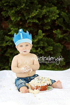 @Kacieann Simmons - we MUST do one of these smash the cake shoots with Brantley for his 1st. Did one with one of my friend's sons last year for his 1st and it turned out AMAZING!!! So cute!!!!