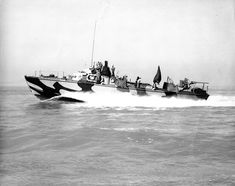 E Boat, Dazzle Camouflage, Lake Pontchartrain, Water Toys, Navy Ships, Aircraft Carrier, Mtb, Louisiana, Wwii