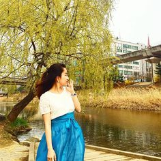 Blue X Blooming Day #부용천 #나들이 #봄날 #허리치마 #블루 #blue #water #bluedress #midiskirt #walking #spring #color #wrapskirt #handmade #outfit #stylegram #travelgram #fashiongram #юбка #falda #スカート #sounlim #소운림 #생활한복 #한복여행 #한복스타그램