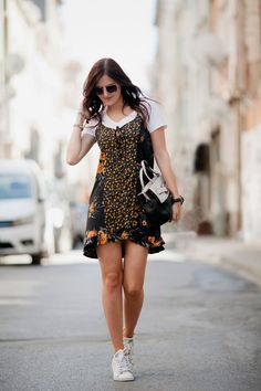 TIE BOW-TIE. White t-shirt+black floral slip dress+white sneakers+white and black handbag+sunglasses. Summer outfit 2016