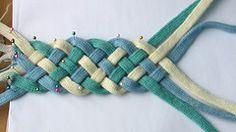 How to braid six strands. Diy Braids, Diy Jewelry Inspiration, Fabric Yarn, Make Your Own Jewelry, Macrame Projects, Micro Macrame, Diy Fashion, Jewelry Crafts, Clever