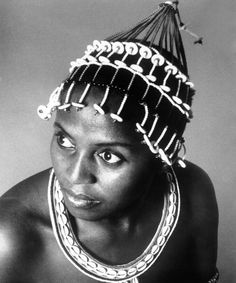 South African singer Miriam Makeba Poses for a portrait session circa 1970 Miriam Makeba, Xhosa Attire, Pan Africanism, African Traditions, Black Gems, African History, African Beauty, Celebs, Celebrities