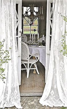 Summer House, shabby chic decor, vintage bleached style, interiors for summerhouses,  so lovely, Anna, www.melodymaison.co.uk