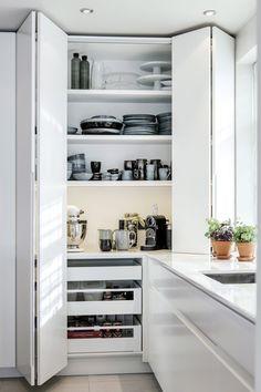 Interior Design Kitchen, Kitchen Designs, Kitchen Ideas, Kitchen Drawers, Kitchen Cabinets, Kitchen Corner, Pantry Design, Home Reno, Kitchen Remodel